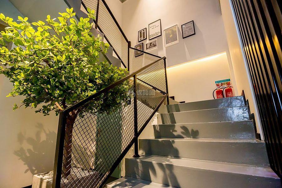 蓝乔青旅酒店之楼梯设计效果图