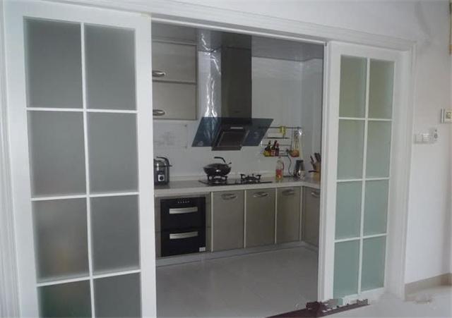 厨房推拉门用透明玻璃还是用磨砂玻璃