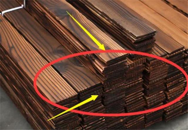 阳台装修适合铺贴什么 防腐木和这几种瓷砖是首选
