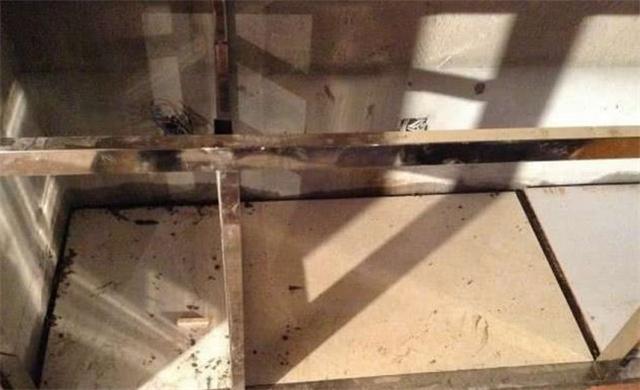 厨房装修?#31859;?#30707;水泥筑造的橱柜 用了五年特别结实