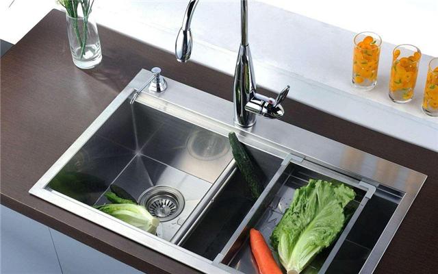 厨房水槽不用纠结单盆还是双盆 这样装修就对了