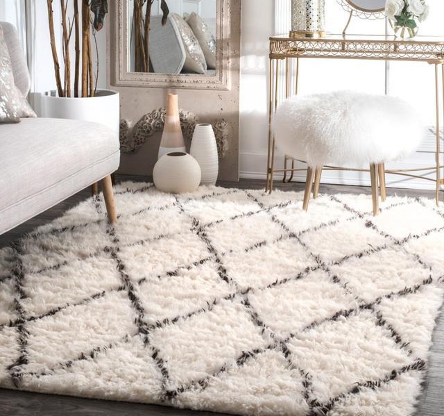 客厅时尚地毯 别致地改变你的空间