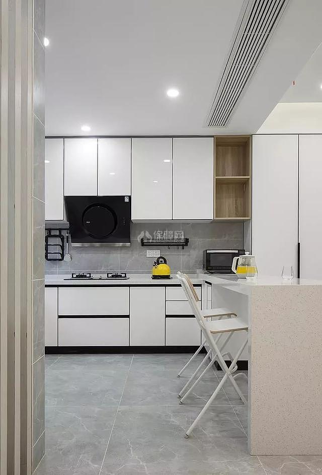 现代复式楼厨房设计效果图