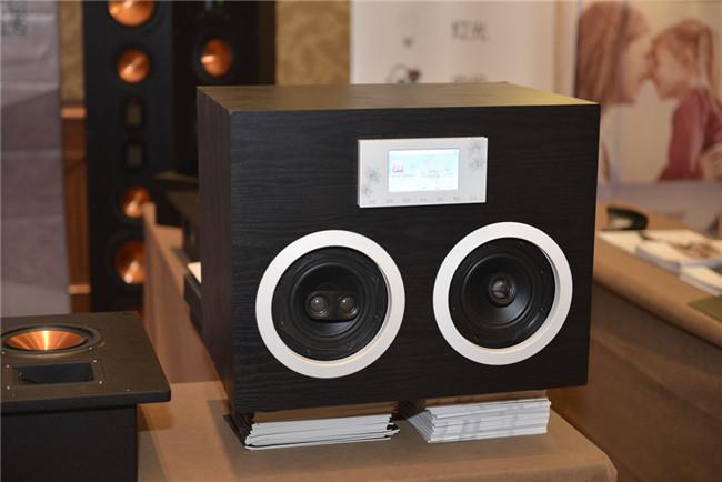 嵌入式家庭音箱or吸顶式家庭音箱 哪个比较好?