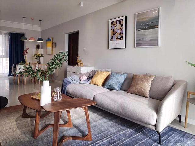 100平现代简约沙发墙装修效果图