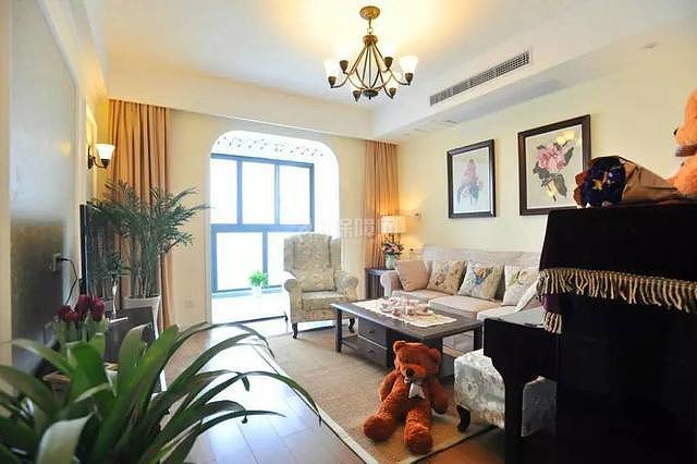 95平现代美式客厅装修效果图