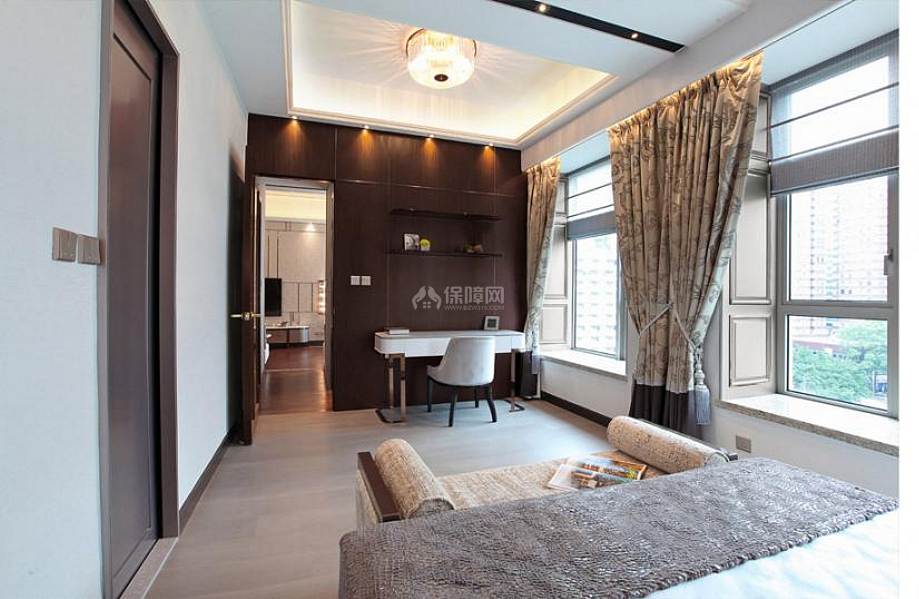 68平米中式轻奢卧室书桌设计效果图