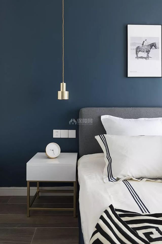 85㎡现代简约卧室床头柜细节图