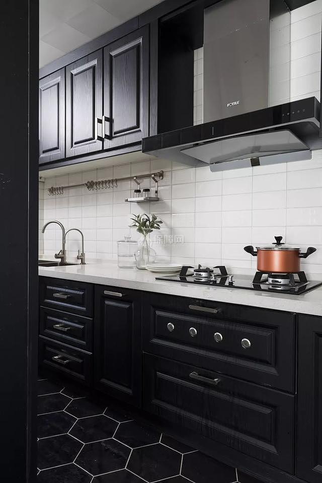 85㎡现代简约厨房装修效果图
