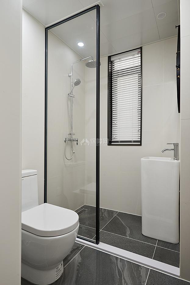 极简风别墅浴室干湿分离设计效果图