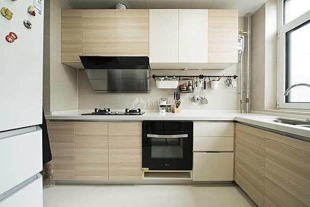 122平轻奢风厨房装修效果图