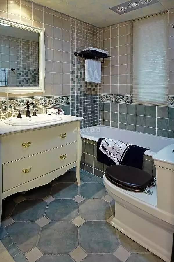 138平地中海风主卫浴缸设计效果图
