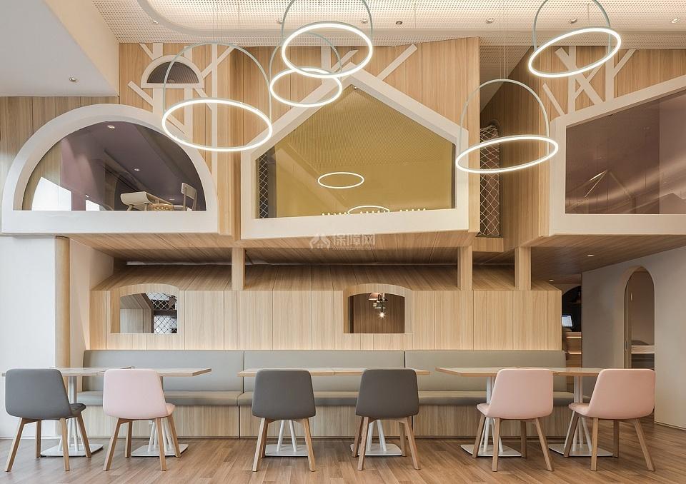 维塔兰德亲子餐厅桌椅布置效果图