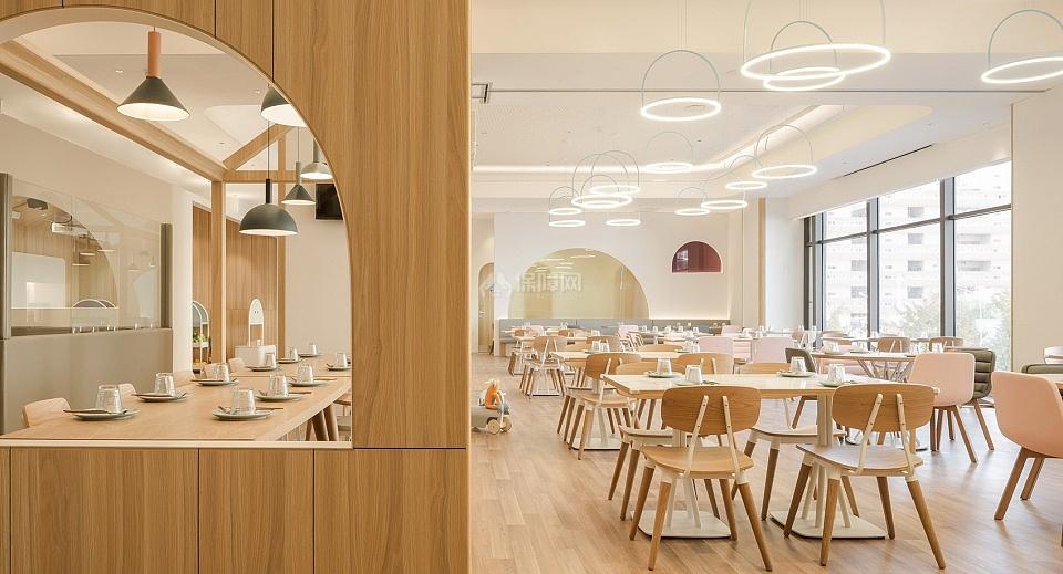 维塔兰德亲子餐厅用餐区装潢效果图