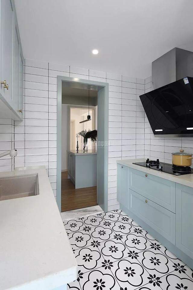 107平米现代厨房装修效果图
