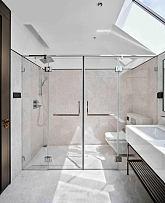225平摩登现代别墅卫生间设计效果图