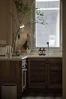 70平简约复古风厨房橱柜细节图