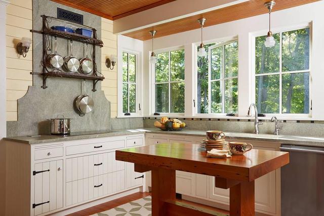 現代廚房砧板臺面設計 將耐用性與視覺美感相結合