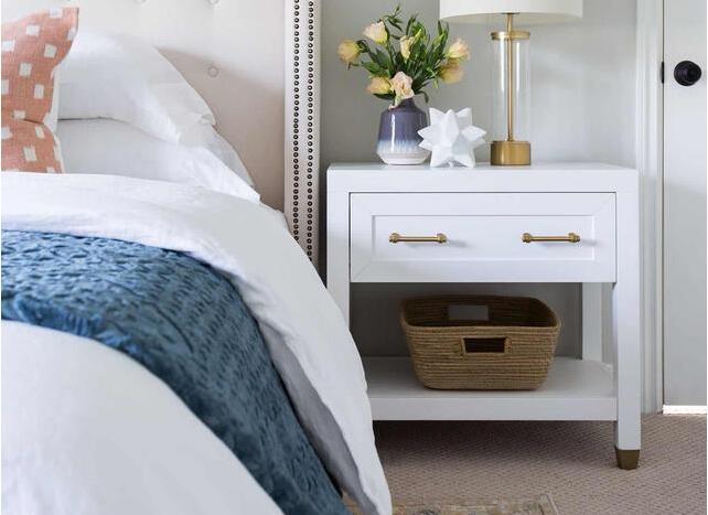 独特床头柜设计 让卧室不再沉闷单调
