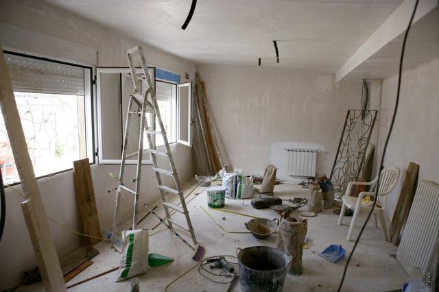 二手房地面怎么处理 可以自己在上面铺砖或铺地板吗?