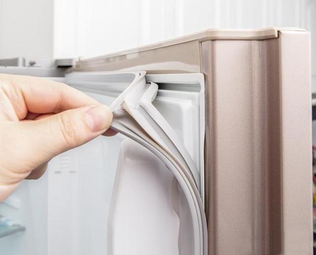 冰箱门密封条发黑用什么清洗 教你正确做法健康又卫生
