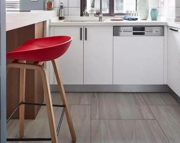 厨房最流行什么瓷砖 铺釉面砖会更适合