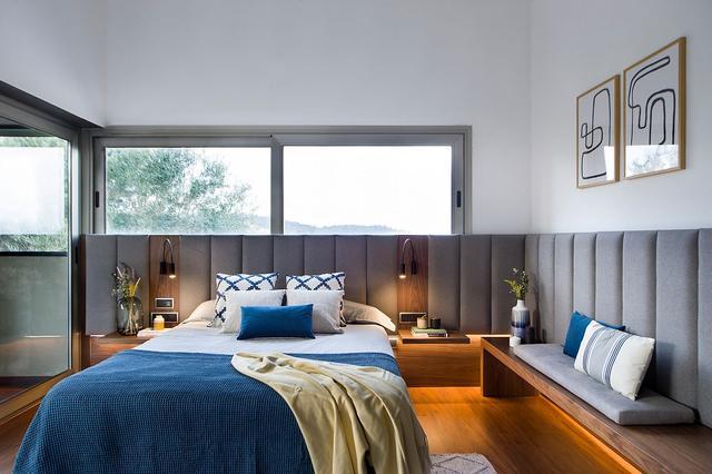 适合夏季的清爽卧室设计 色彩的完美平衡让你眼前一亮