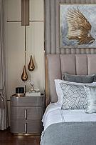 240㎡欧式主卧床头装饰布置效果图