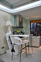 58㎡现代风单身公寓吧台式餐厅布置效果图