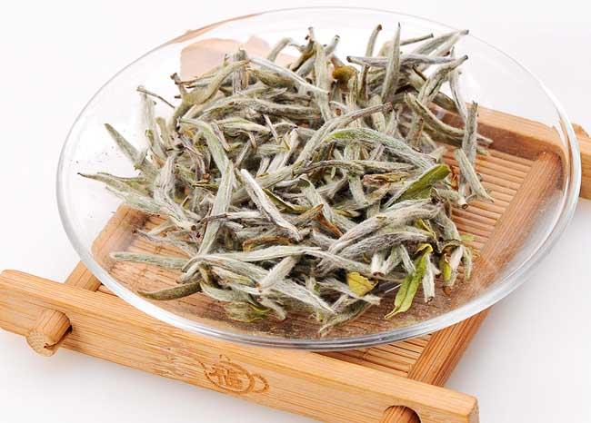 什么是白茶,夏天喝白茶有哪些功效?