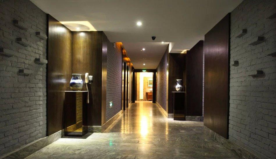 温泉度假酒店过道设计图片