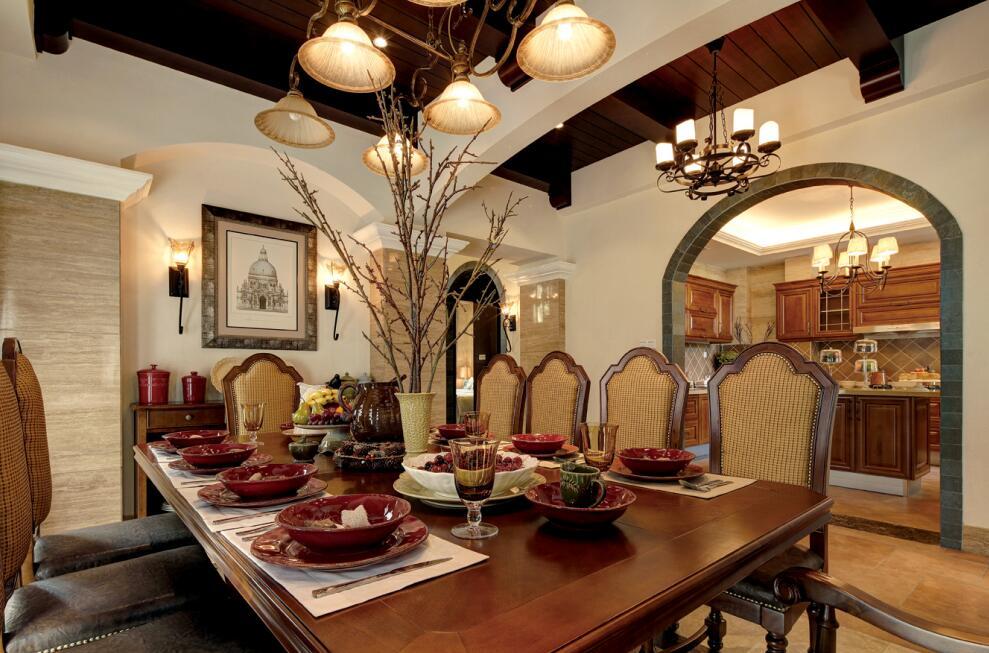 美式风格别墅餐厅餐桌效果图