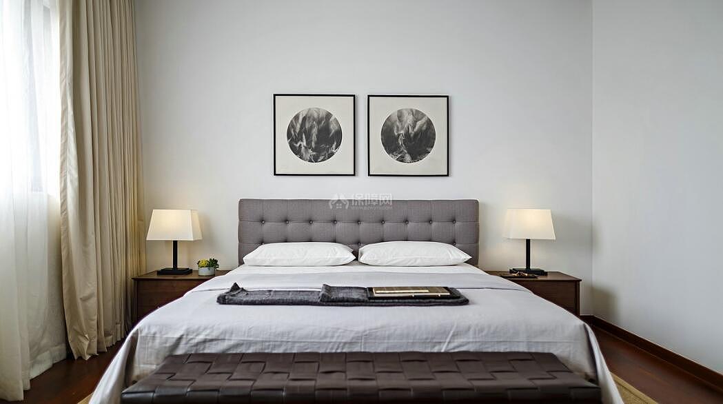 128平现代简约复式装修卧室图片