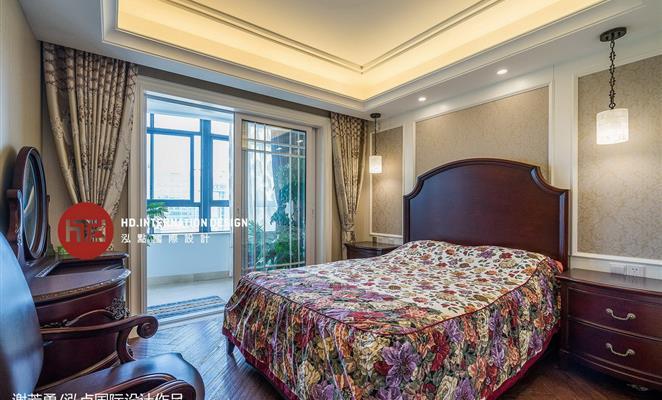 简美风格 180复式房型客厅吊顶 客厅吊顶米色灯具地垫图片
