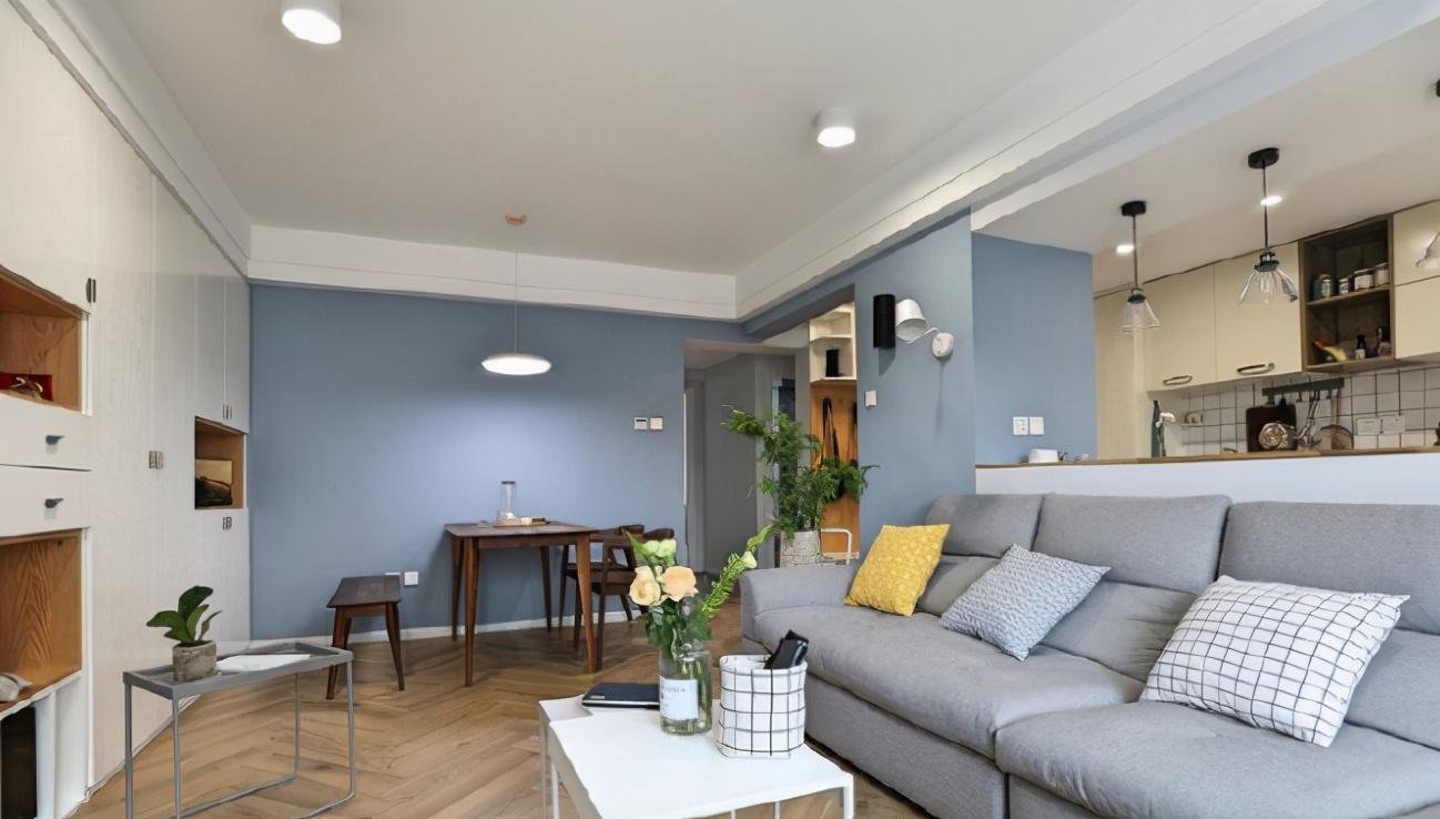 82平米两室一厅现代简约风 简洁大气又美观邻居好羡慕