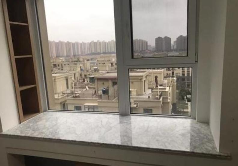 飘窗台面铺大理石还是瓷砖 可学学她家这么做!