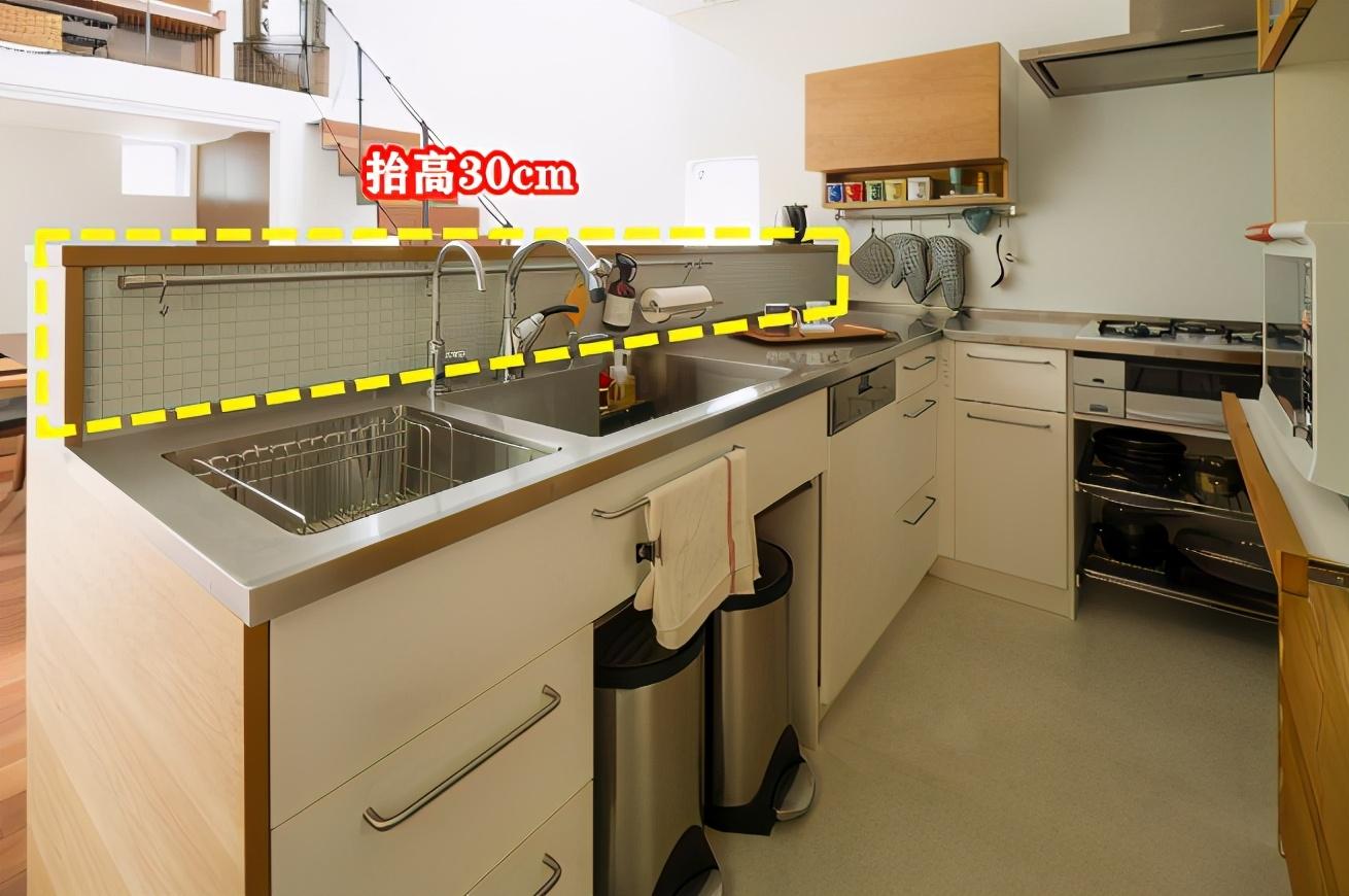 """日本人的厨房收纳做得真""""巧"""" 30公分+一根杆台面超整洁"""
