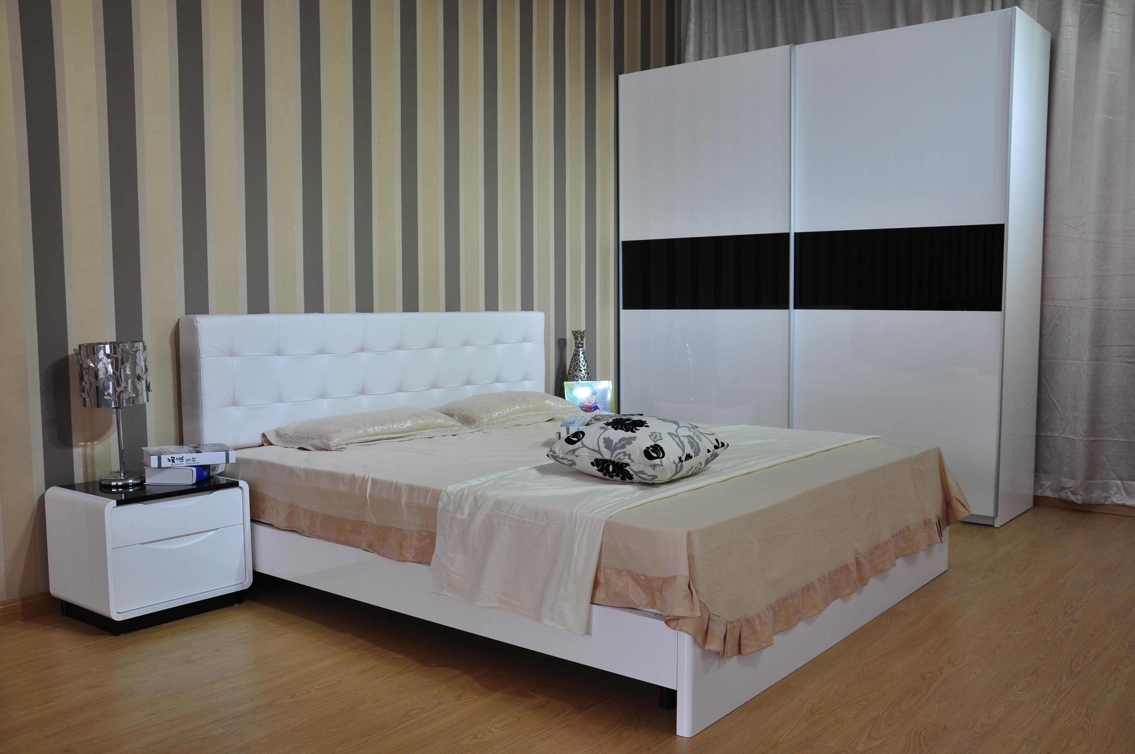 小卧室怎么装修好看?卧室小怎么装修?