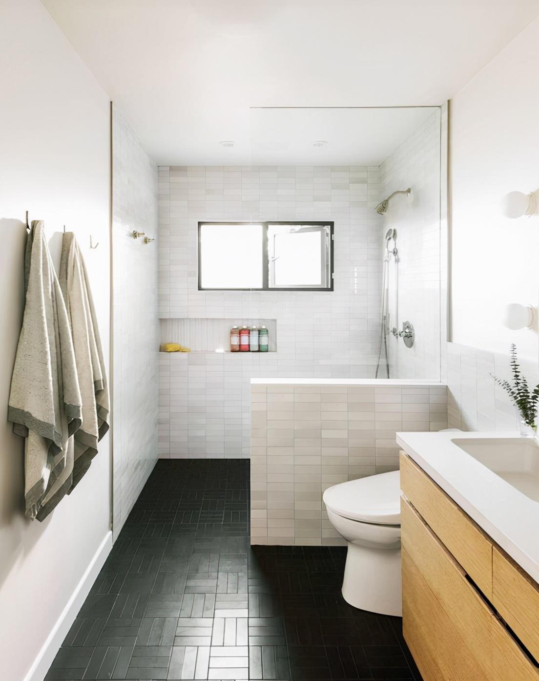 卫生间不用玻璃隔断怎么做 半墙更实用更优惠?